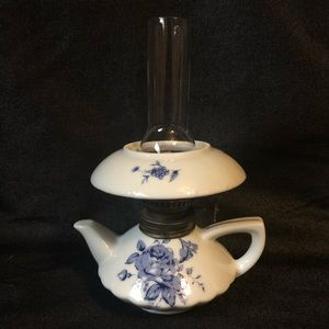 💥💥SOLD💥💥Porcelain Delftware Mini Oil Lamp